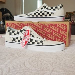 Checkered Vans White and Black